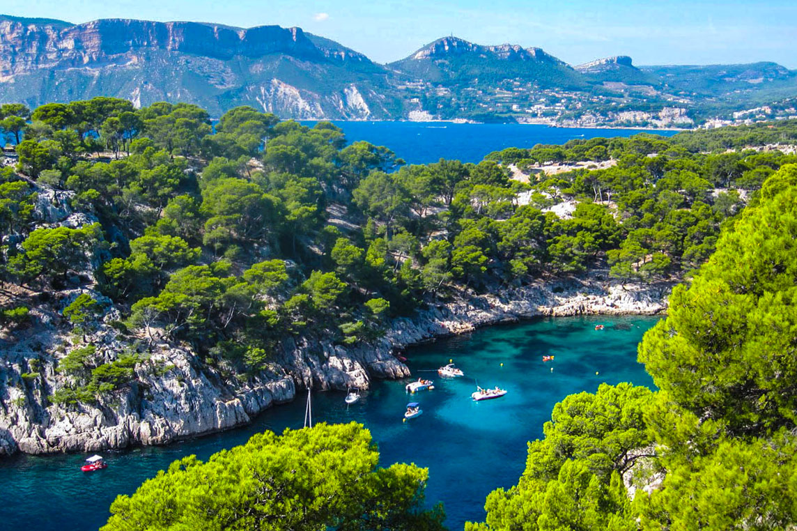 Calanques Cassis - Yacht charter Scuderia
