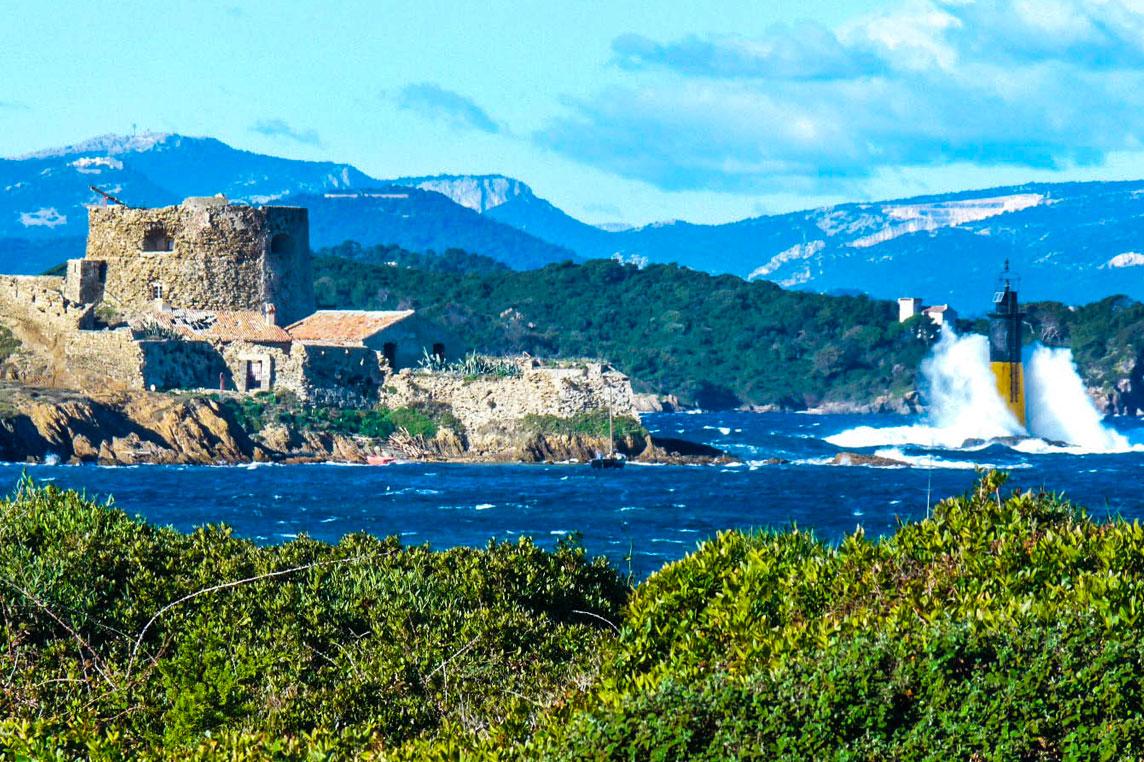 Iles de Porquerolles - Yacht charter Scuderia