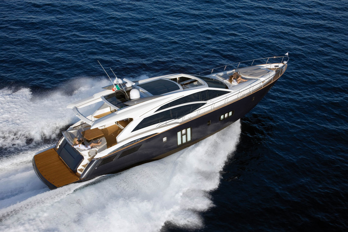 Location yacht Cannes - Yacht charter Scuderia