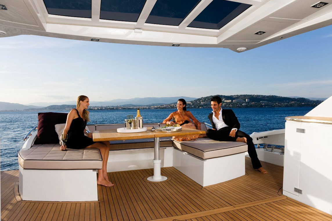 Reception - Yacht charter Scuderia